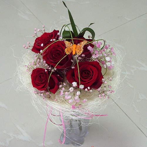 Букет с рози - Обич
