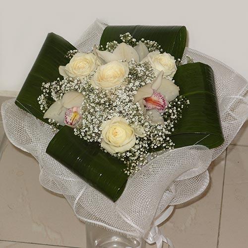 Букет от рози и орхидеи - Нежност