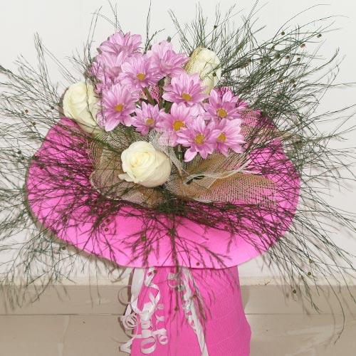 Букет хризантеми и рози
