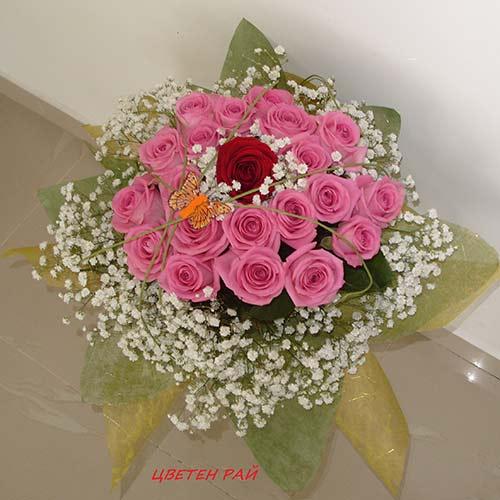 Букет от розови рози - Младост