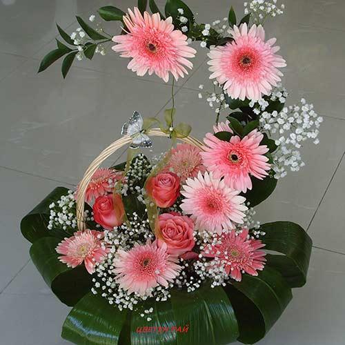 Кошница гербери и рози - Феерия