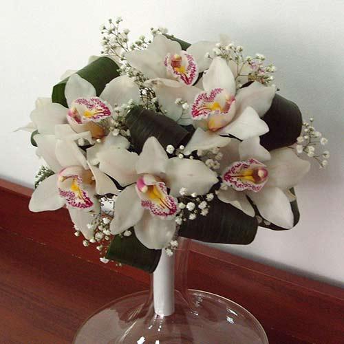 Букет с орхидеи - Перлена нежност