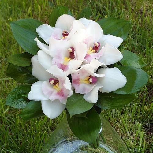 Булчински букет с орхидеи - Нежна утеха
