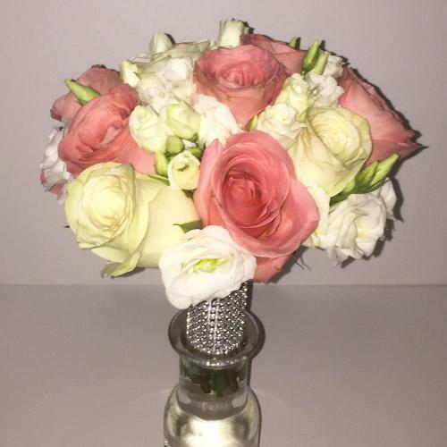 Булчински букет с рози - Довери ми се